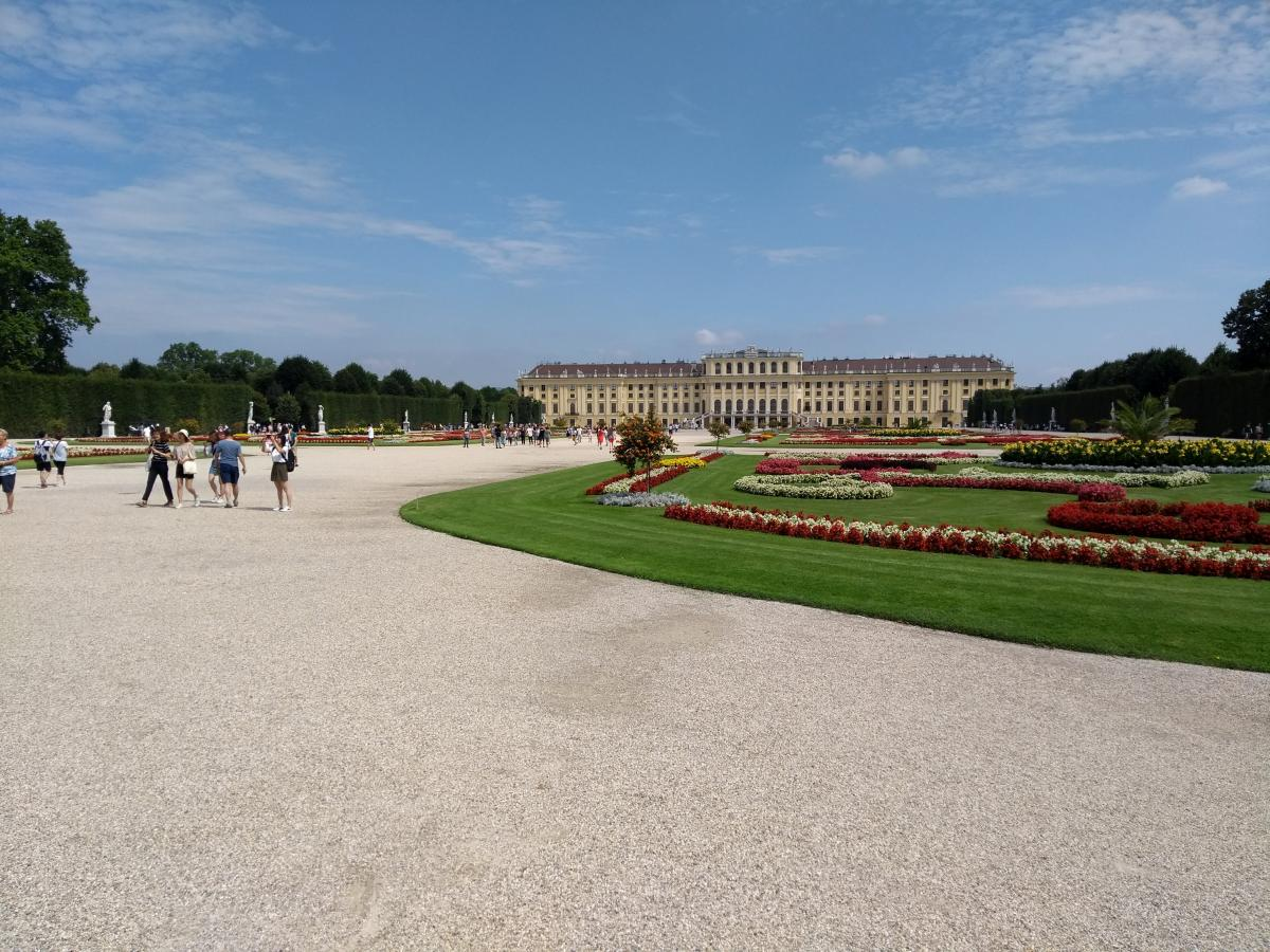 Schloss Schönbrunn mit Park