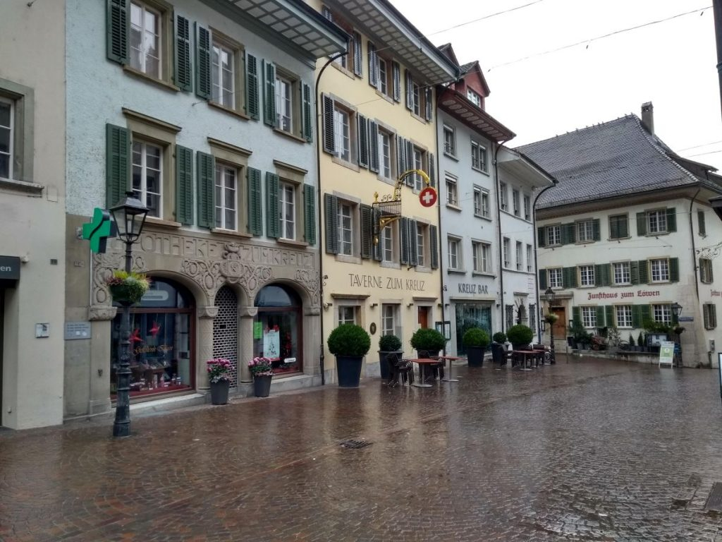 Altstadt in Olten an einem regnerischem Sonntag