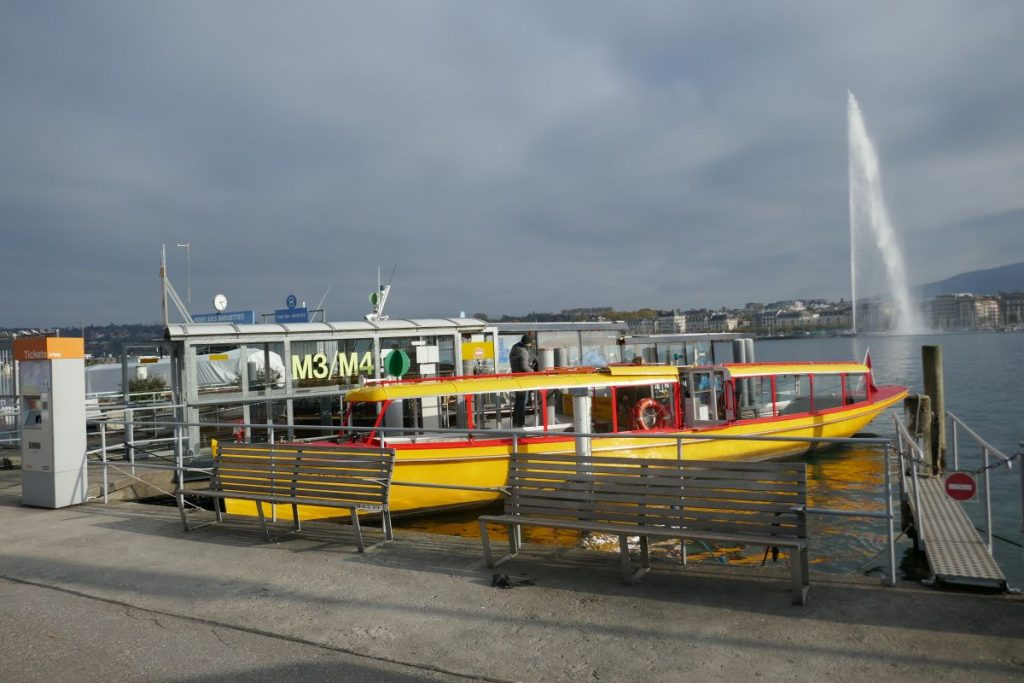 Boote in Genf mit dem Jet d'eau