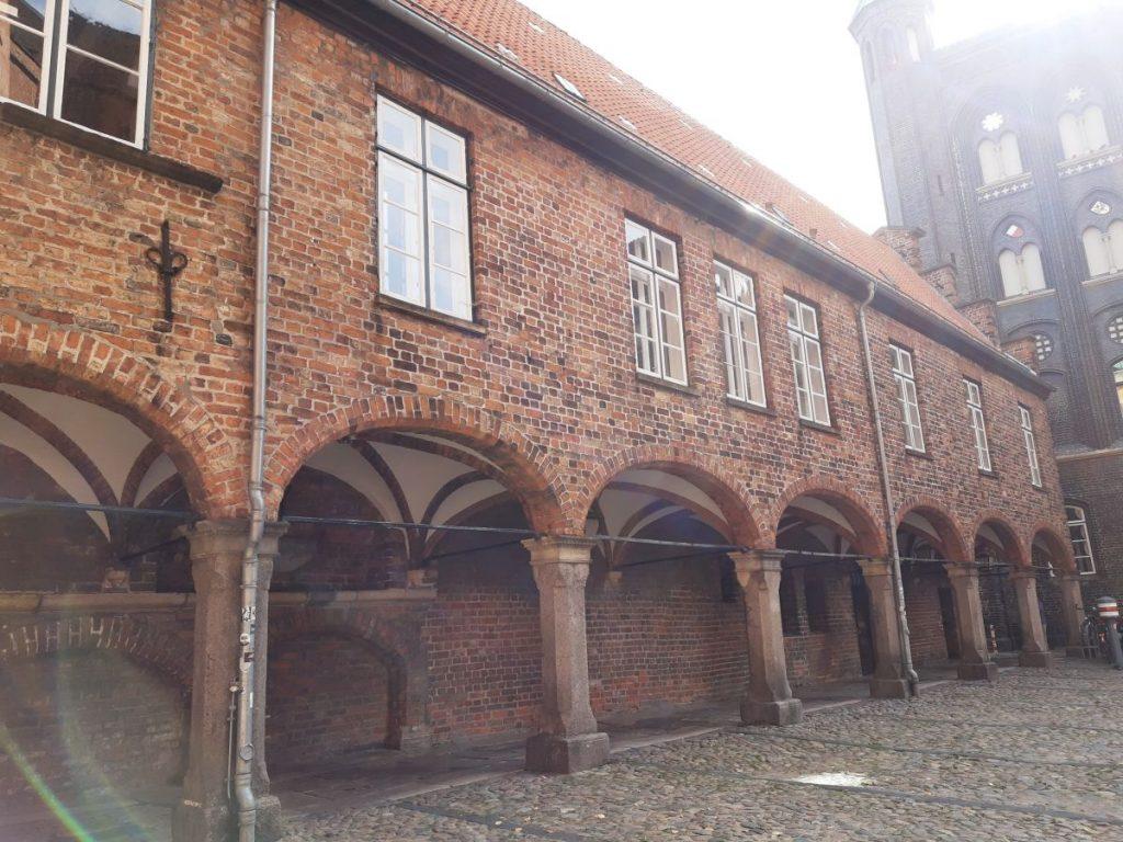 Teil des Rathauses am Marktplatz in Lübeck
